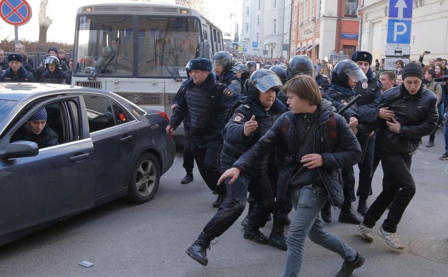 Starcia milicji z opozycją