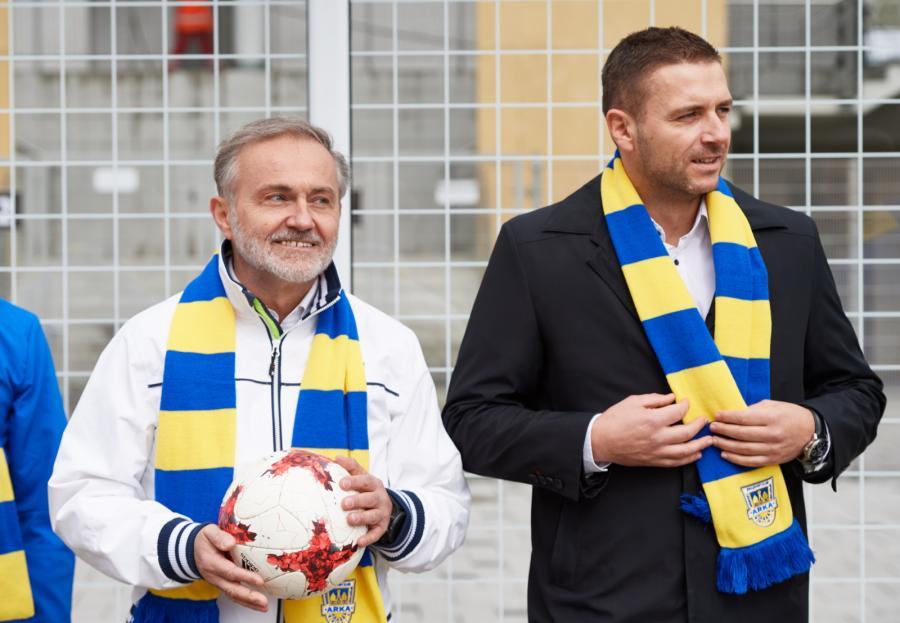 W Gdyni na autobus poczekasz w piłkarskiej bramce