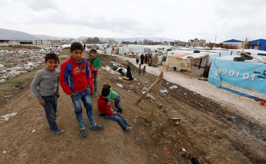 Dzieci w obozie dla syryjskich uchodźców pod Bejrutem
