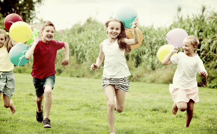 Dzieci w zabawie