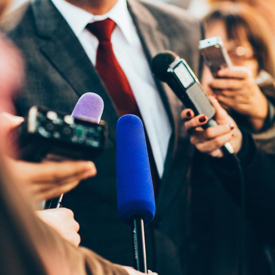 Polityk, polityka, dziennikarze