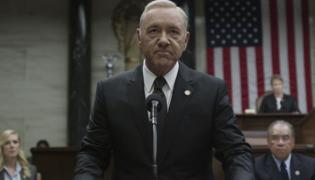 "Kevin Spacey jako Frank Underwood w serialu ""House of Cards"""