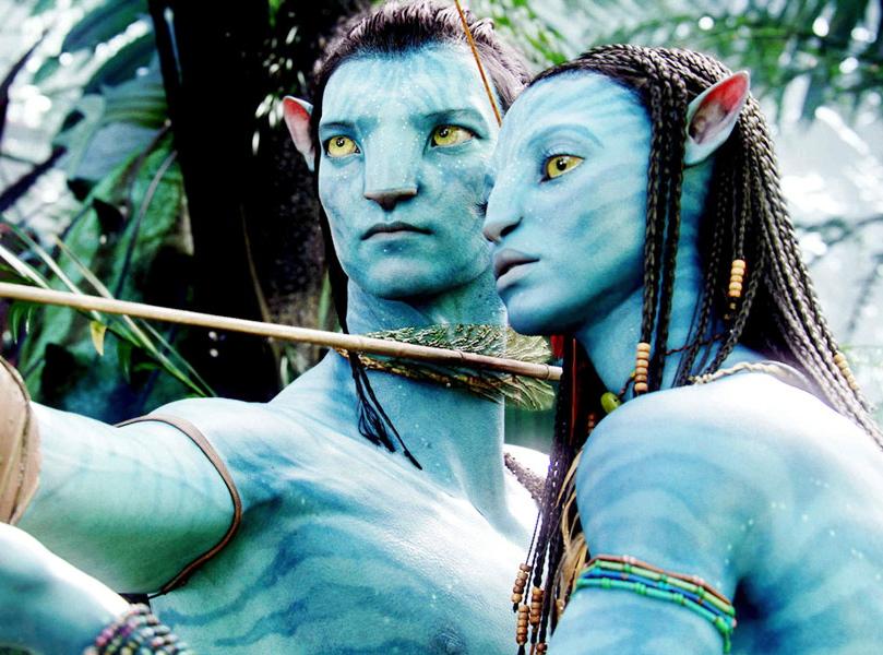 """Zoe Saldana i Sam Worthington w filmie Jamesa Camerona """"Avatar"""", najdroższego filmu w dziejach kina"""