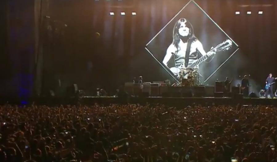 Foo Fighters oddaje hołd Malcomowi Youngowi