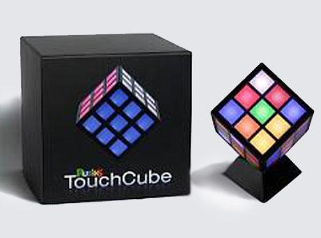 Dotykowa Kostka Rubika została zaprezentowana podczas Amerykańskich Międzynarodowych Targów Zabawek