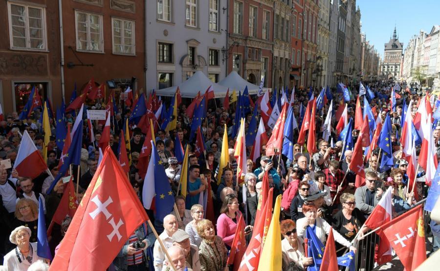 Manifestacja przeciw faszyzmowi