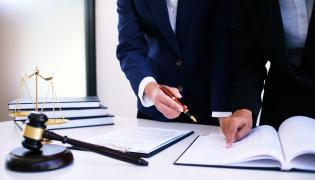 Sąd umowa