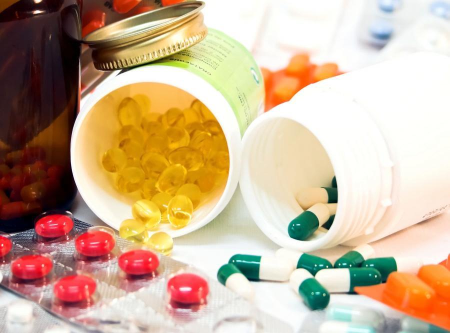 PiS i PO chcą zbadać sprawę rejestracji leku