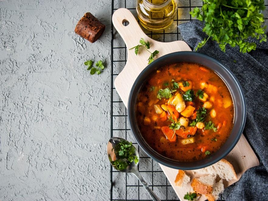 Pikantna zupa z ciecierzycą