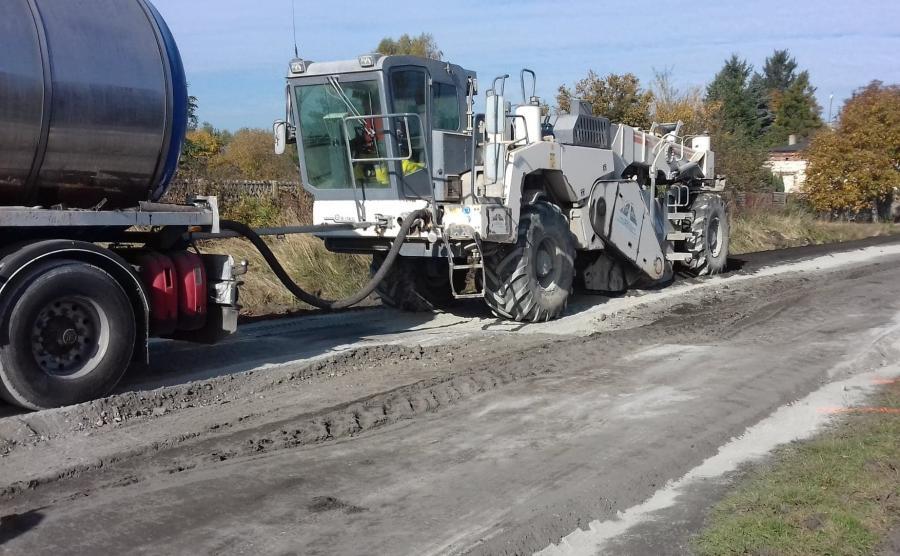Częstochowa testuje tańszą metodę utwardzania dróg gruntowych