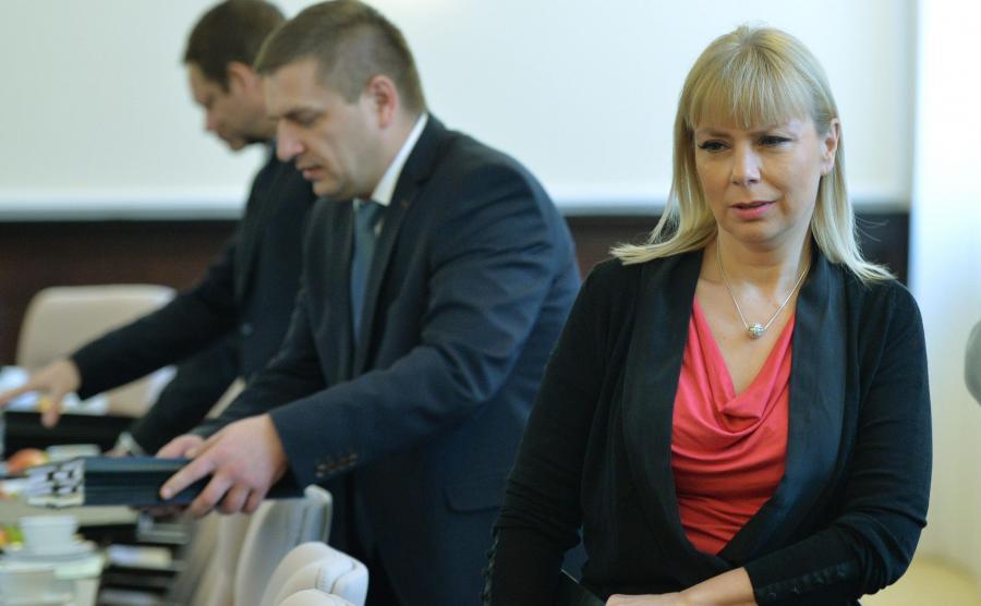 Wicepremier Elżbieta Bieńkowska i minister zdrowia Bartosz Arłukowicz w 2014 r.
