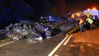 Wypadek na drodze wojewódzkiej nr 470 z Kalisza do Turku w miejscowości Celestyny. W zderzeniu dwóch samochodów osobowych na miejscu zginęły trzy osoby, a dwie odwieziono do szpitala