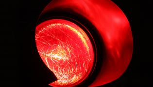 Czerwone światło (zdjęcie poglądowe)