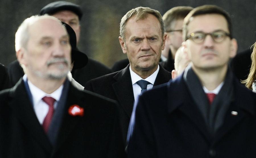 Antoni Macierewicz, Donald Tusk i Mateusz Morawiecki