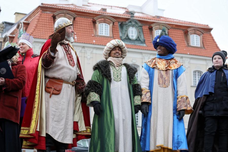 Orszak Trzech Króli przeszedł ulicami Warszawy (12)