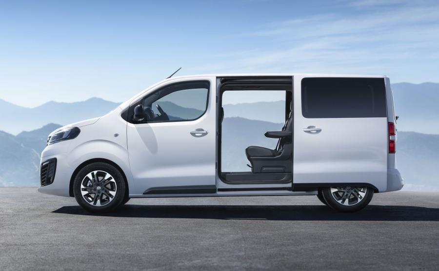 Nowa Zafira Life niebawem pojawi się na rynku. Pod karoserią dużego Opla kryje się platforma, na której bazują również Citroën SpaceTourer, Peugeot Traveller i Toyota Proace Verso