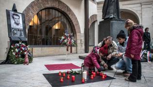 Czesi palą znicze w 50. rocznicę śmierci Jana Palacha