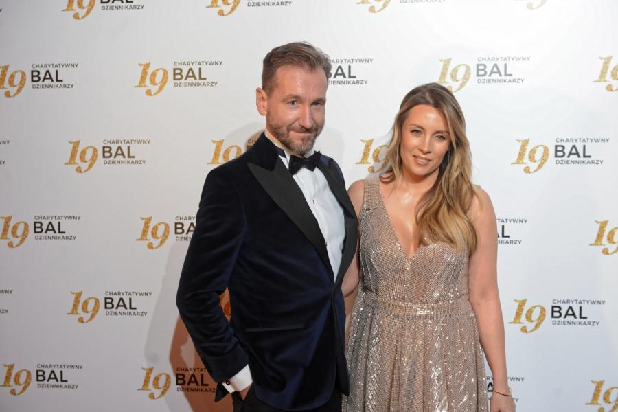 Dziennikarz telewizyjny Piotr Kraśko (L) z żoną Karoliną Ferenstein-Kraśko