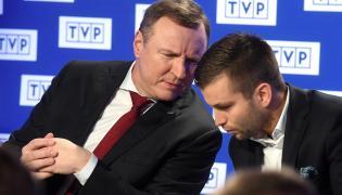 Prezes TVP Jacek Kurski (L) i szef TVP Sport Marek Szkolnikowski (P)