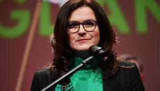 Kandydatka na prezydenta Gdańska Aleksandra Dulkiewicz podczas wieczoru wyborczego po ogłoszeniu sondażowych wyników przedterminowych wyborów