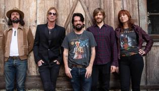 Duff McKagan z zespołem