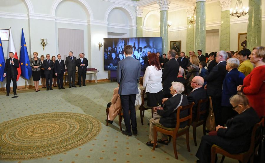 Prezydent Andrzej Duda wręczył Ordery Odrodzenia Polski Polakom ratującym Żydów podczas II wojny światowej