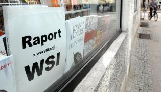 Raport o weryfikacji WSI na wystawie jednej z gdańskich księgarni.