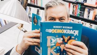 Jak mieszka Robert Biedroń?