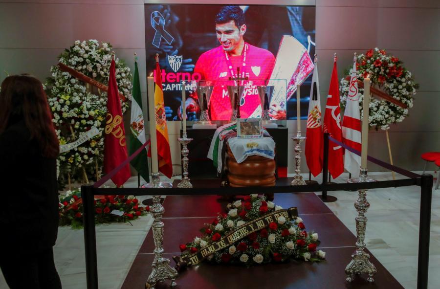 Trumna z ciałem Jose Antonio Reyesa