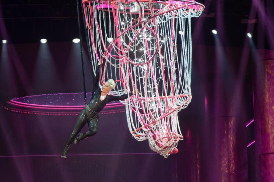 Pink podczas zagranego na otwarcie \