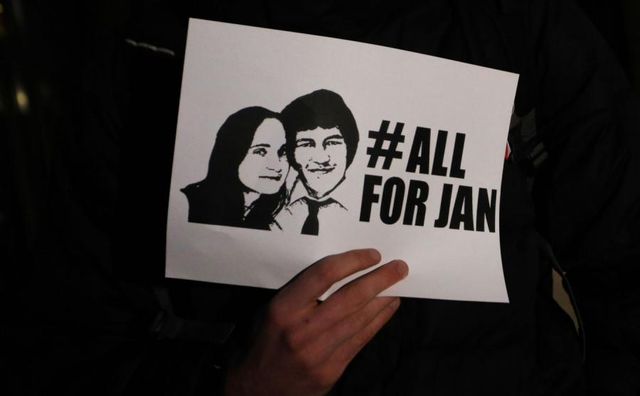 Protest pod konsulatem Slowacji w zwiazku z zabojstwem dziennikarza Jana Kuciaka