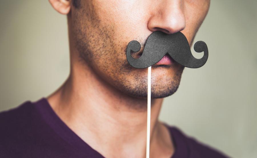 Mężczyzna z wąsami