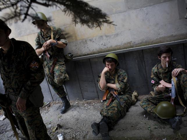 Młodzi żołnierze gruzińscy, Gori, 10 sierpnia 2008