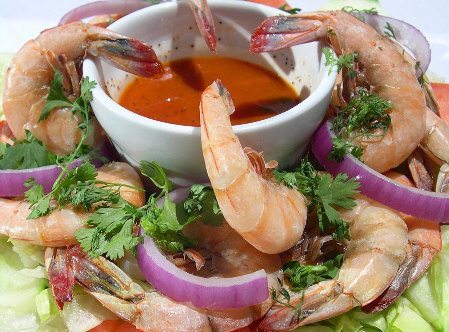 Rozgrzewająca zupa z krewetkami