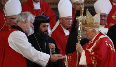 Arcybiskup Canterbury Rowan Williams podczas wspólnej mszy z papieżem Benedyktem XVI
