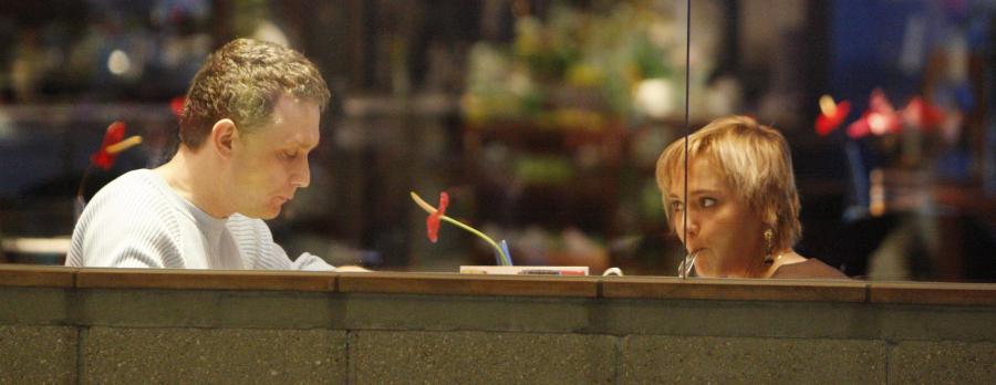 Para podczas wspólnej kolacji