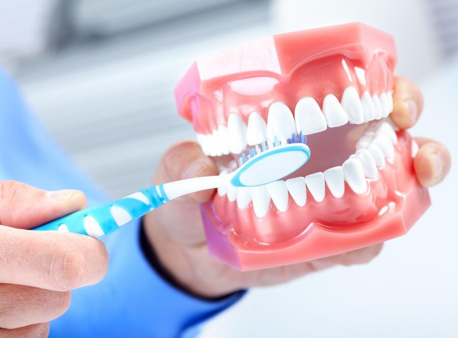 Setki tysięcy pacjentów bez darmowej stomatologii
