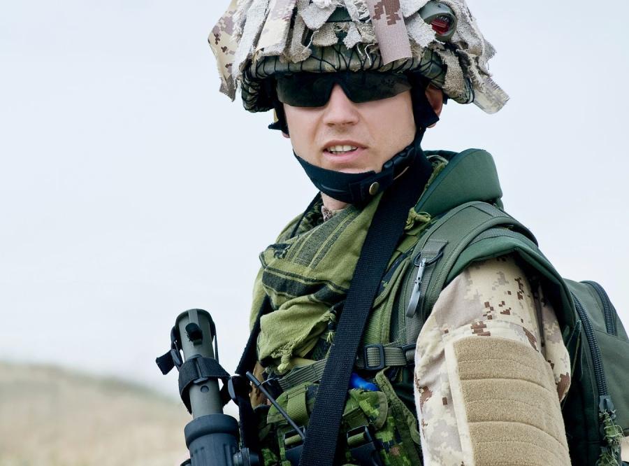 Marines już w Libii. Szkolą opozycję
