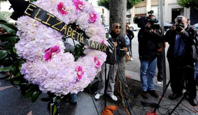 Elizabeth Taylor spóźniła się na własny pogrzeb