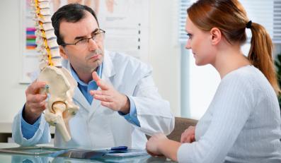Aby uniknąć bólów kręgoslupa, należy o niego dbać.