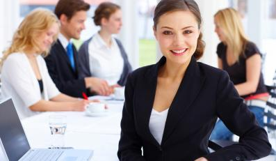 Jak ubrać się do pracy? Radzą eksperci