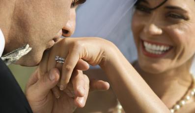 Chcesz całować po rękach? Musisz wiedzieć jak!