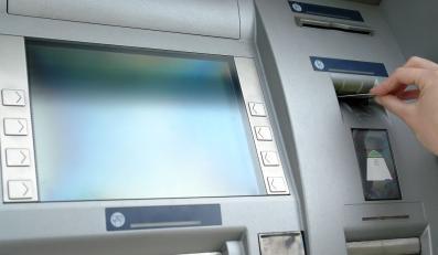 Tak banki zarabiają na darmowych kontach