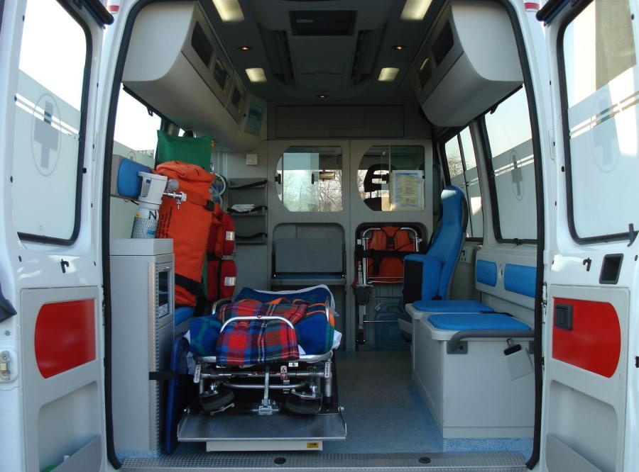 Celnicy doliczają akcyzę do ambulansów