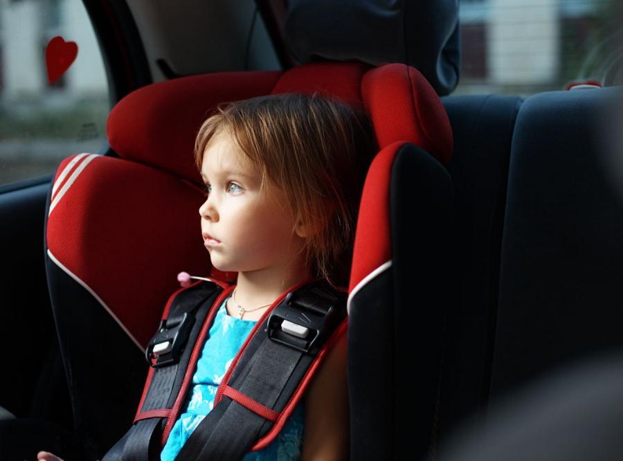 Dzieci bezpieczniejsze z dziadkami za kierownicą niż z rodzicami. Przynajmniej w USA