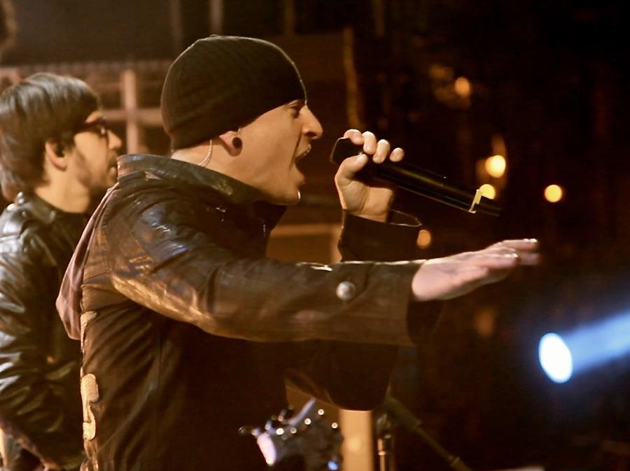 Linkin Park śpiewa Adele