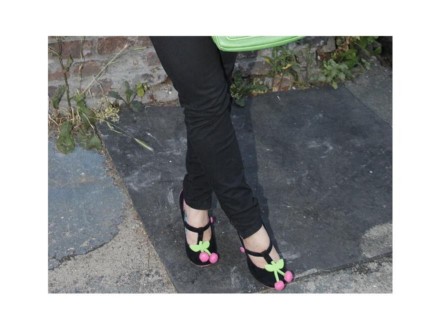 Kto założył buty z wisienkami?