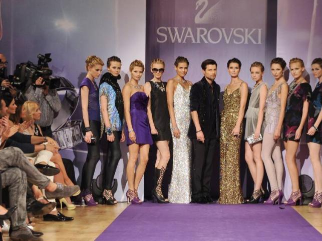 """Swarovski na sezon jesień/zima 2011/2012 - pokaz kolekcji """"Wings of fantasy""""."""