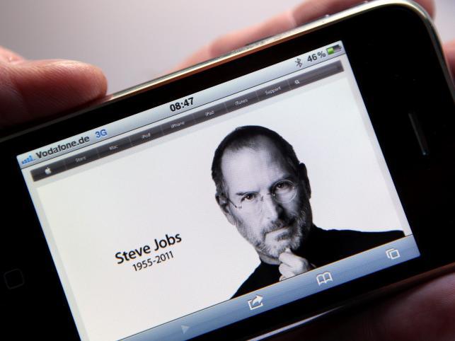 Strona główna koncernu Apple - apple.com - w iPhone