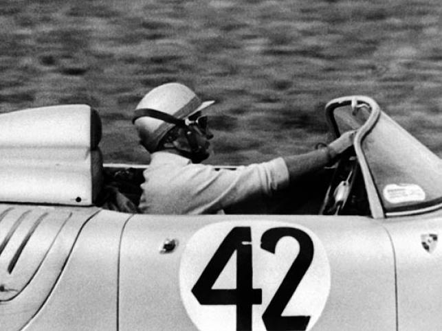 Powstała na cześć wygranego przez 718 - stkę w 1960 r. 12 godzinnego wyścigu na torze Sebring